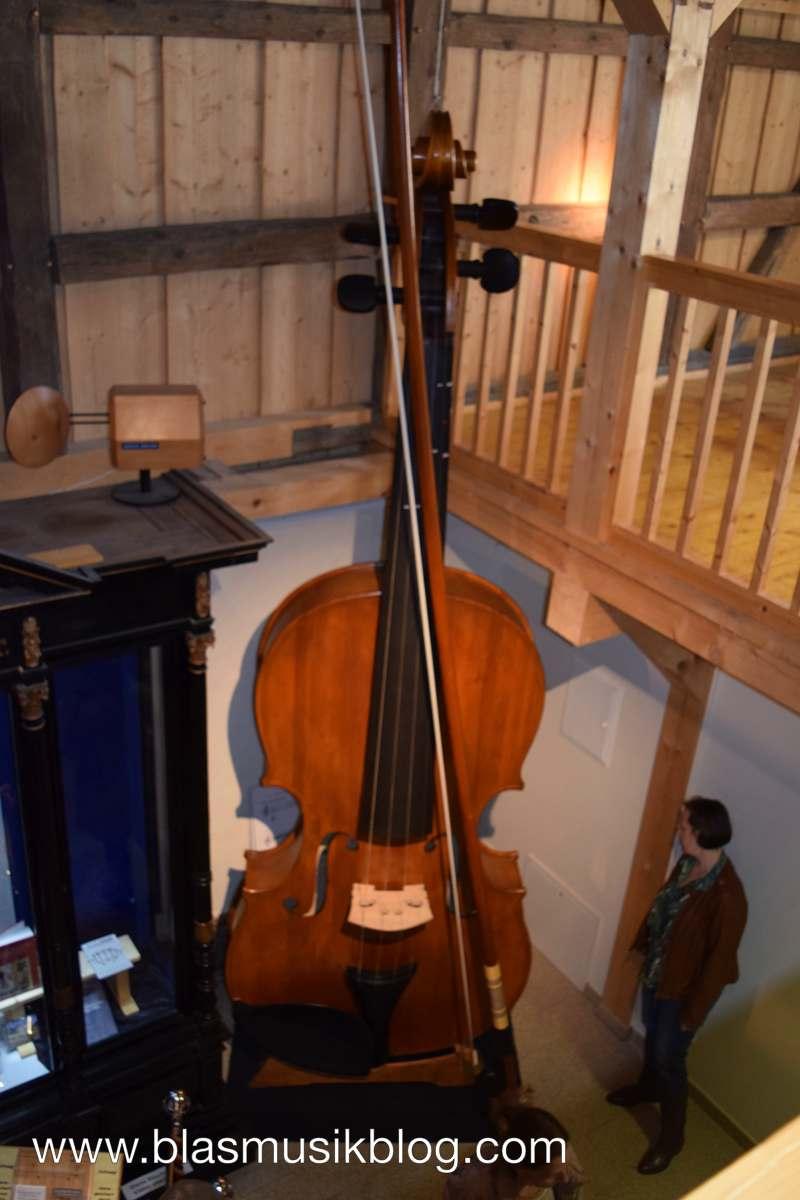 Museum - Größte Geige
