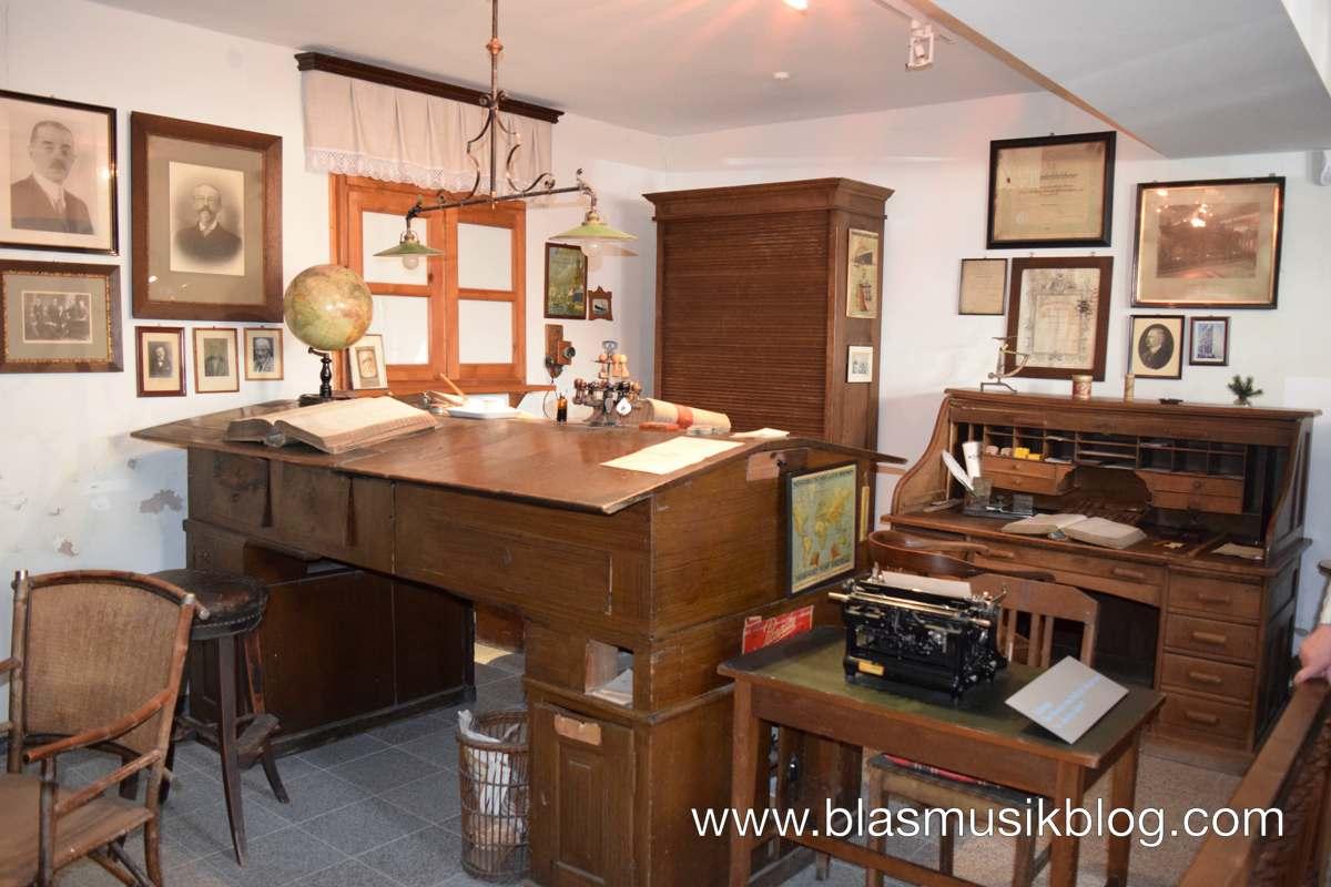 Museum - Instrumentenvertriebsbüro