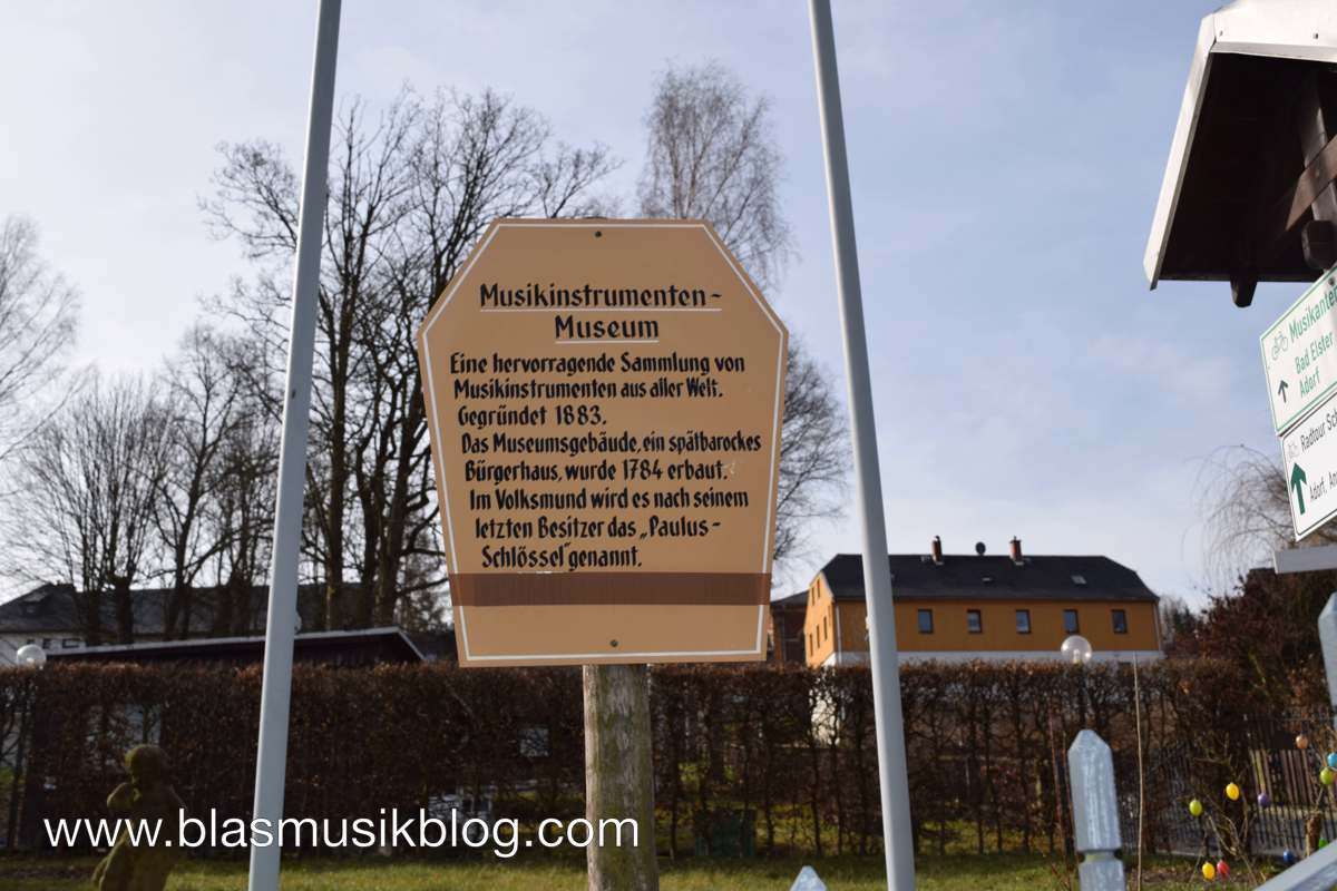 Musikinstrumentenmuseum - Schild