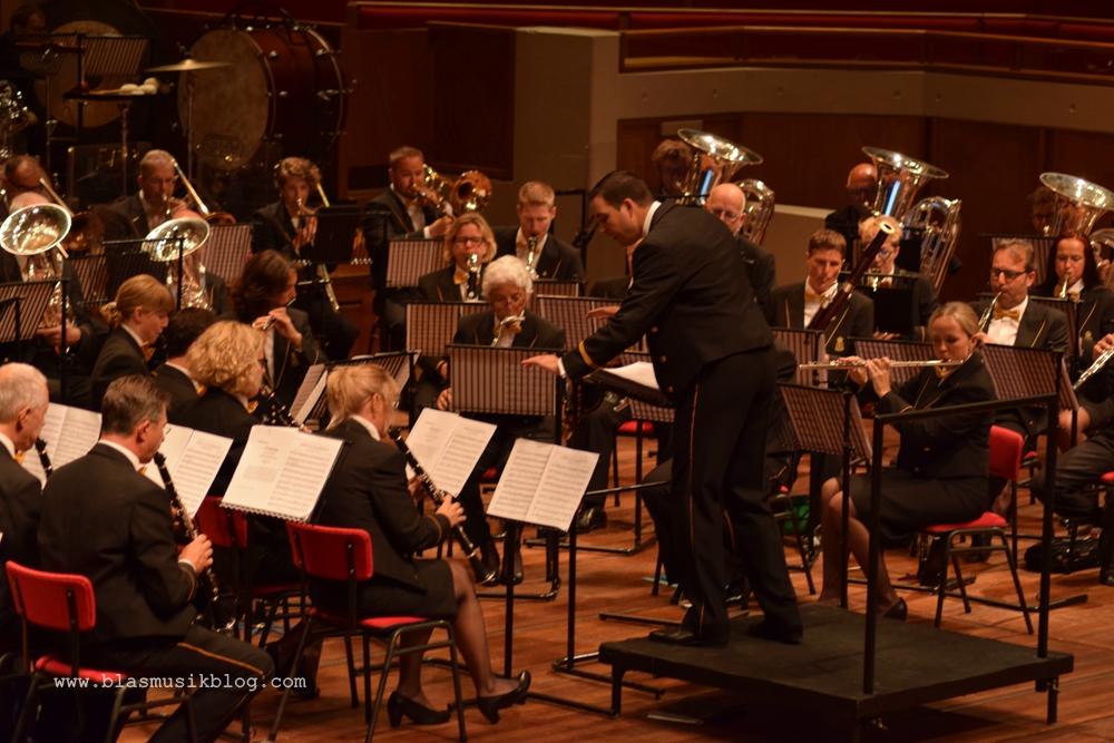 Douane Harmonie mit Björn Bus