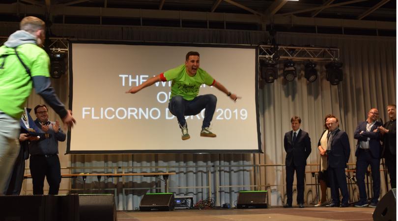 Extreme Freude der Musiker aus Meaño / Spanien über den Sieg beim Flicorno d'oro