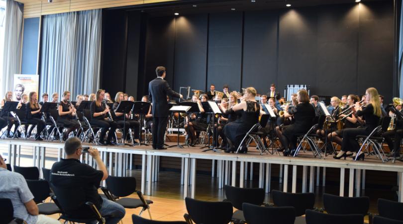 Bläserphilharmonie Forchheim unter der Leitung von Mathias Wehr