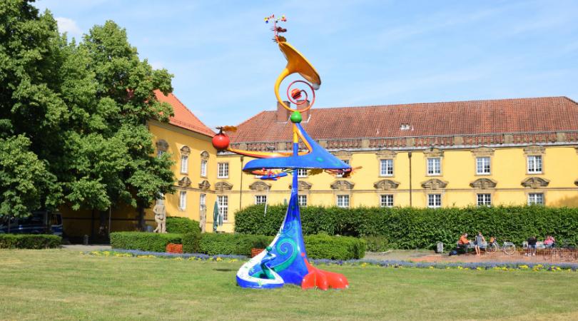 Skulptur im Schlossgarten von Osnabrück